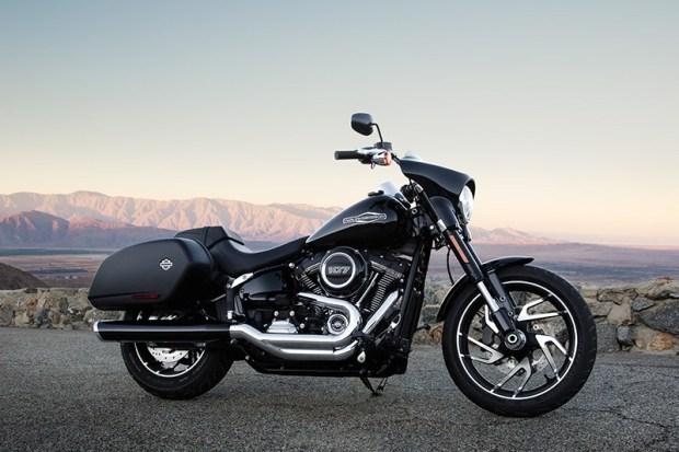 2018-Harley-Davidson-Sport-Glide-beauty-web